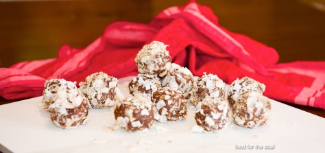 Energy Balls with Nuts and Dried Fruit